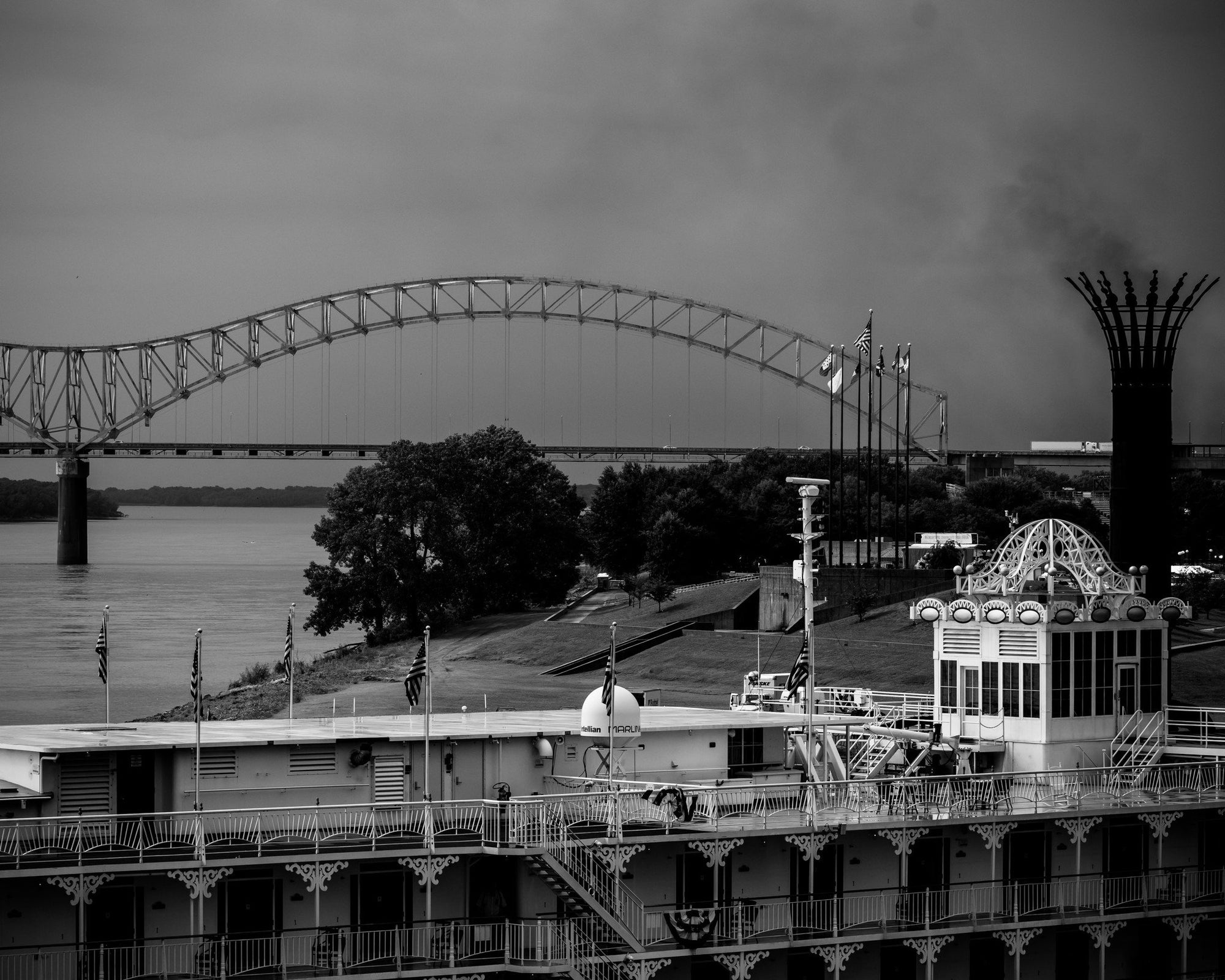 Memphis, Tennessee Bridge Over The Mississippi River, Black and White Print - Walking Pants Curiosities