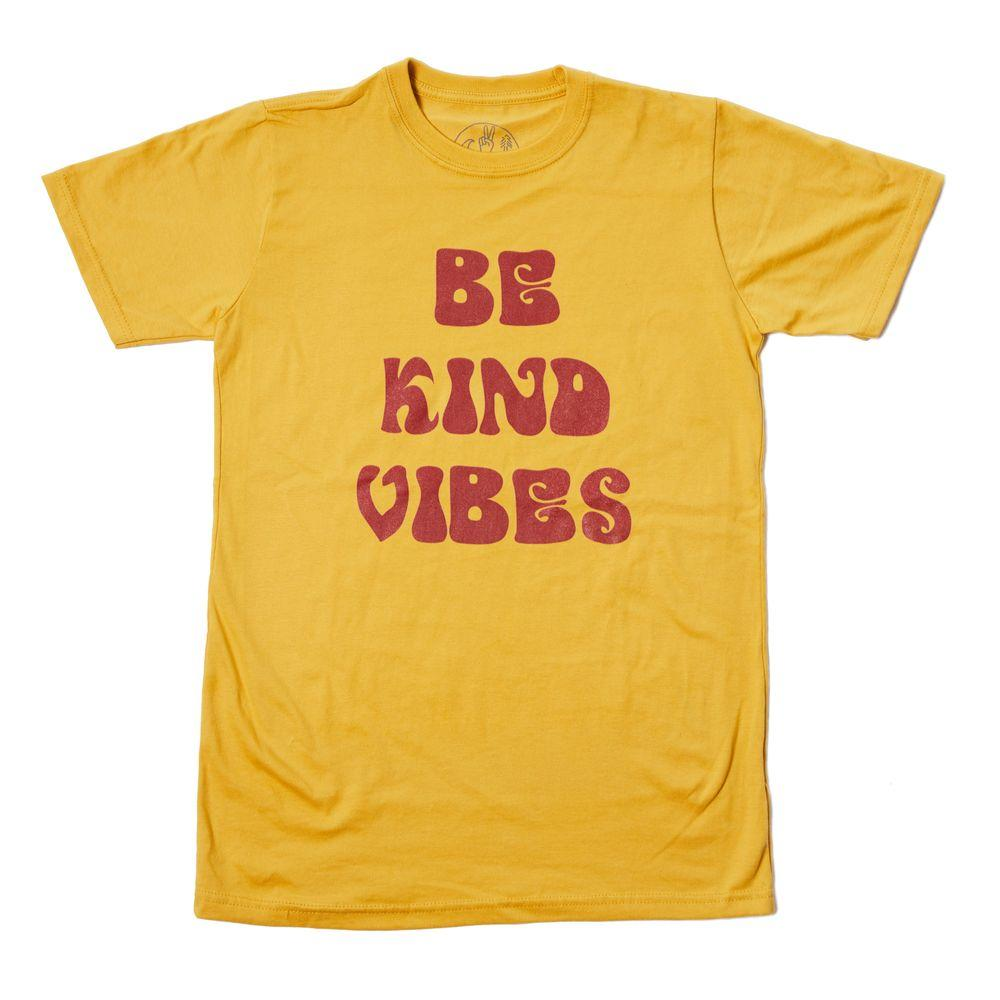 Be Kind Vibes Retro Tee - Walking Pants Curiosities