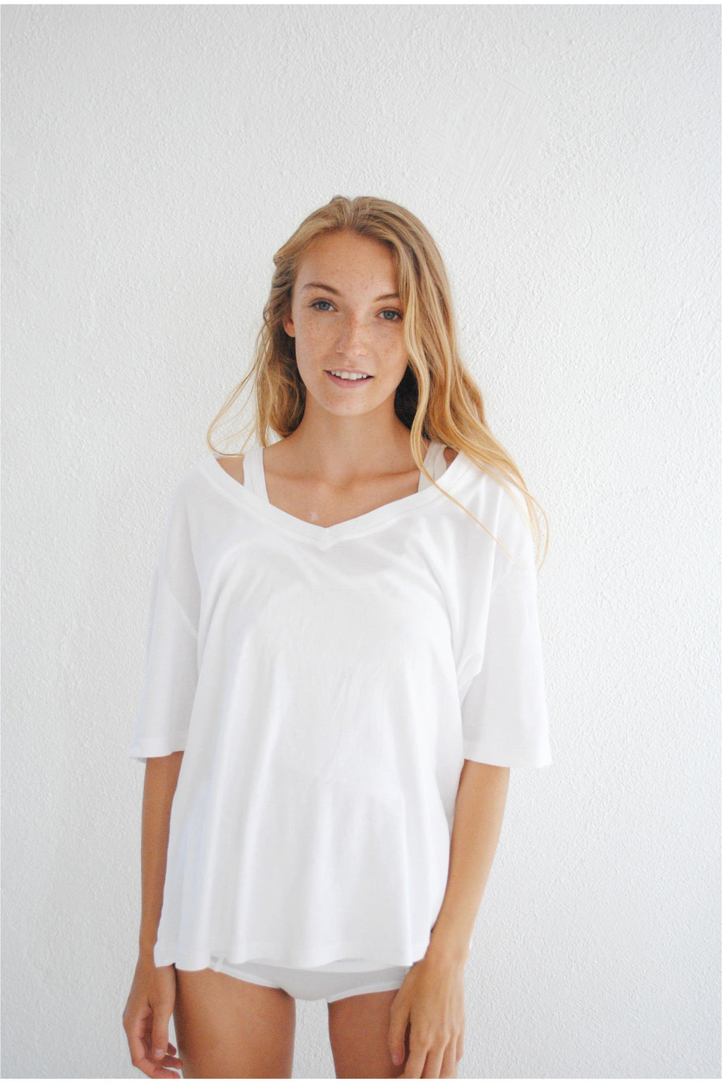 Vneck T-shirt, White