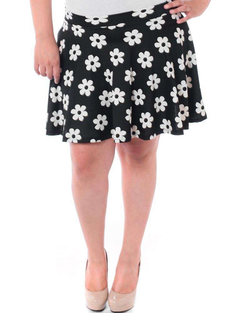 Plus Size Floral Flared Black Skirt