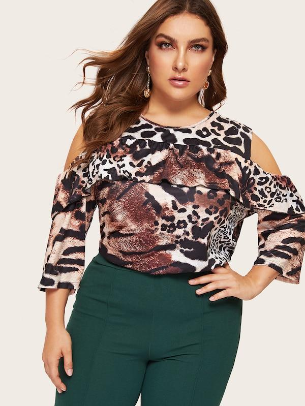 Plus Size Cold Shoulder Leopard Print Tee