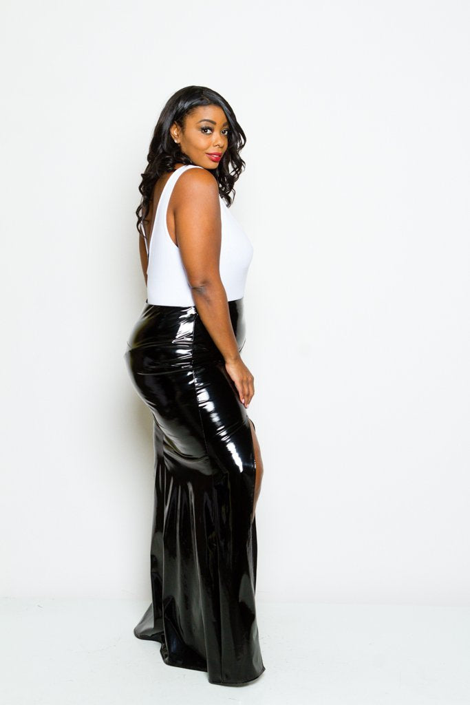 Plus Size Sleek Faux Patent Leather Maxi Skirt – slayboo