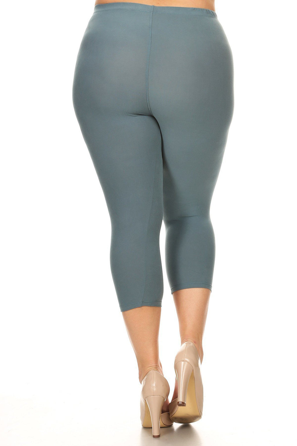 Plus Size Solid High Waisted Knee-length Leggings 001