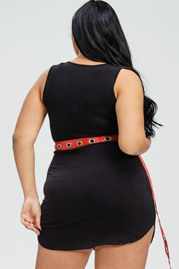 Plus Size Trendsetter Super Graphic Dress Includes Belt