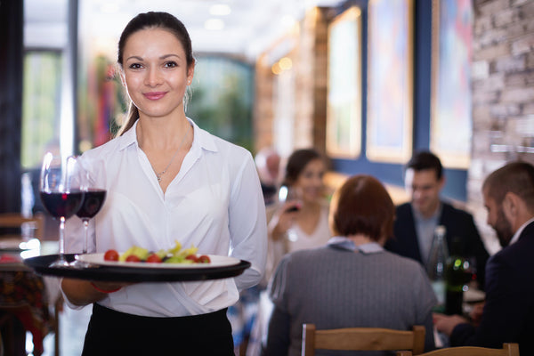 tipping etiquette 101 whats considered a good tip when eating out