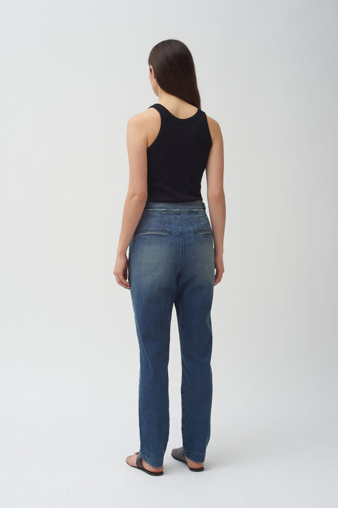Box Pleat Jean in Medium Fade Wash