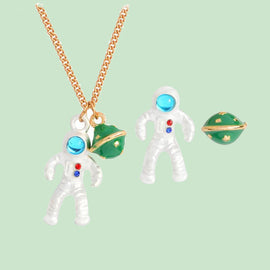 Space Cat Shirts - Astronaut and planet pendant Aesthetic necklace - aesthetic clothing