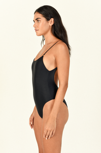 Hinge One Piece