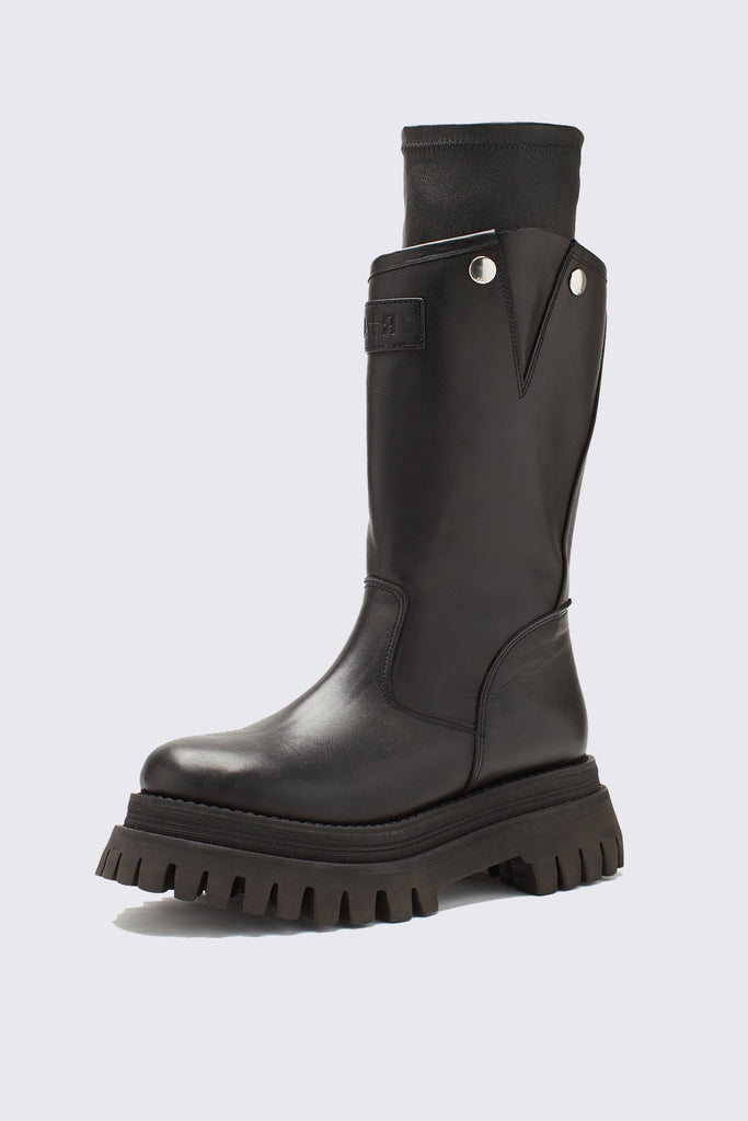 Black Leather Pull On Boot