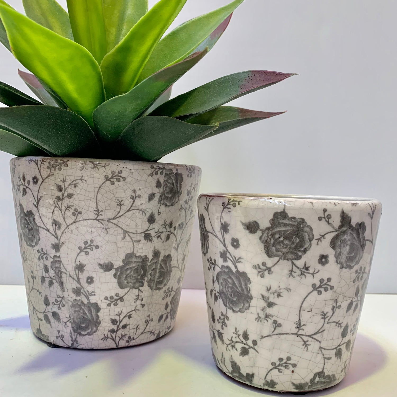Rustic Round Pots - Spring Fields