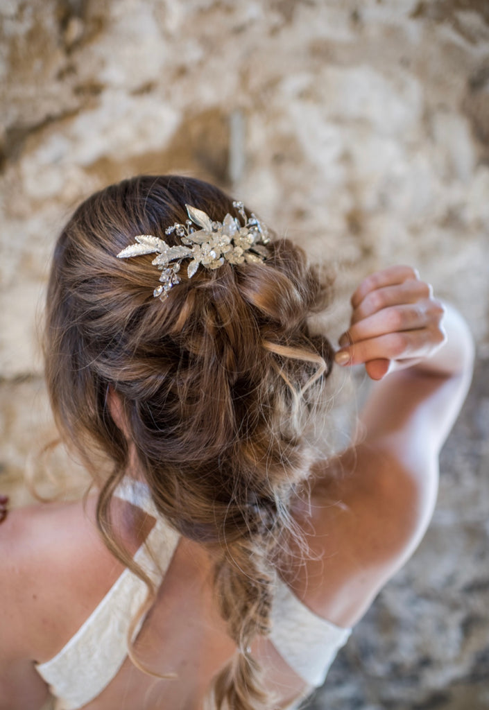Bride wedding Wharfedale Grange Deluxe Blooms The Bobby Pin bridal hair