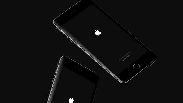 iPhone 7 Jet Black PSD Mockup - Design Resources