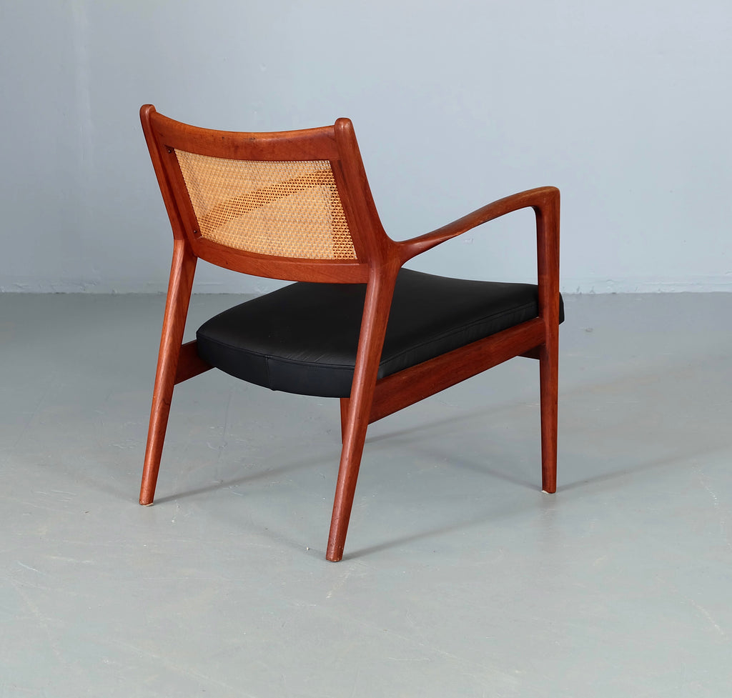Pair KARL ERIK EKSELIUS for J.O. CARLSSON Lounge Chairs (1902003)