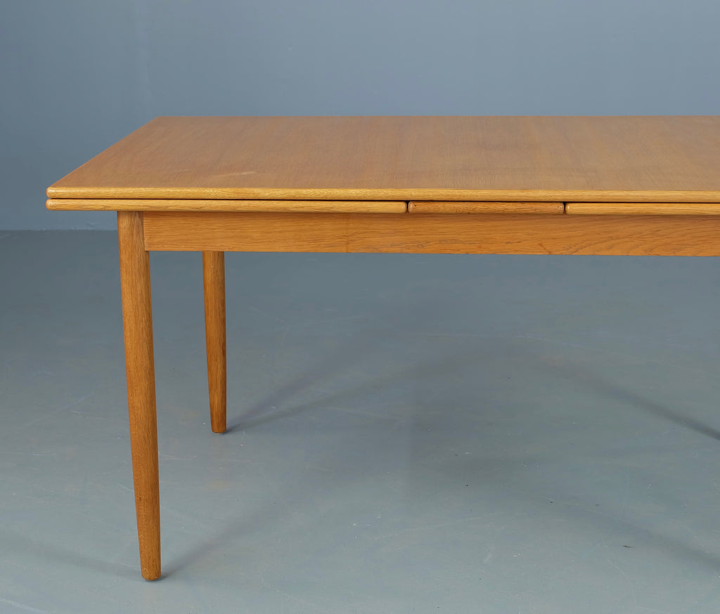 Vilhem Wohlert Extension Dining Table in Oak (1902011)