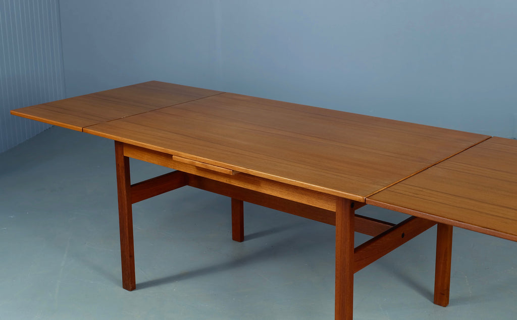 Yngve Ekstrom Extension Dining Table in Teak (1902134)