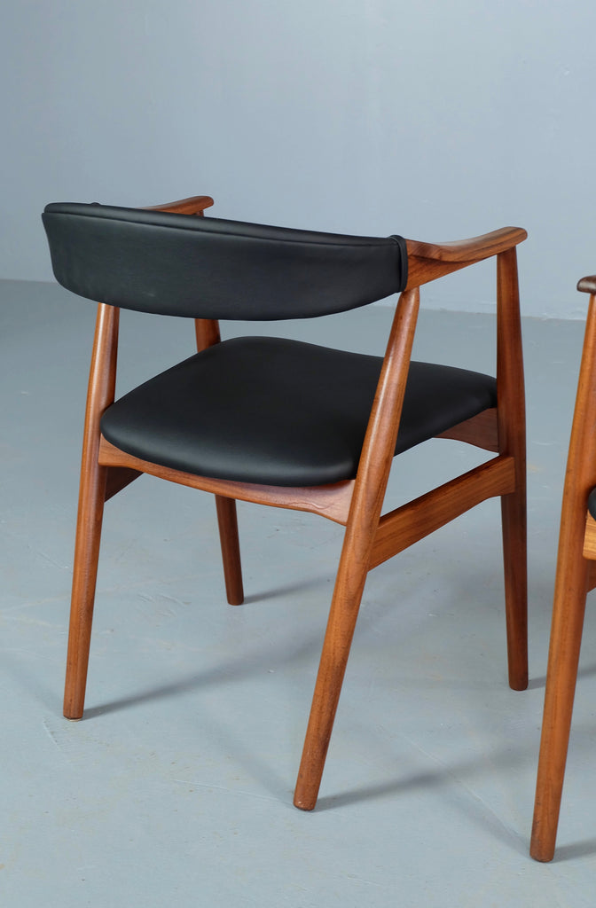 Pair of Side Chairs / Carvers by TH Harlev (1904214)