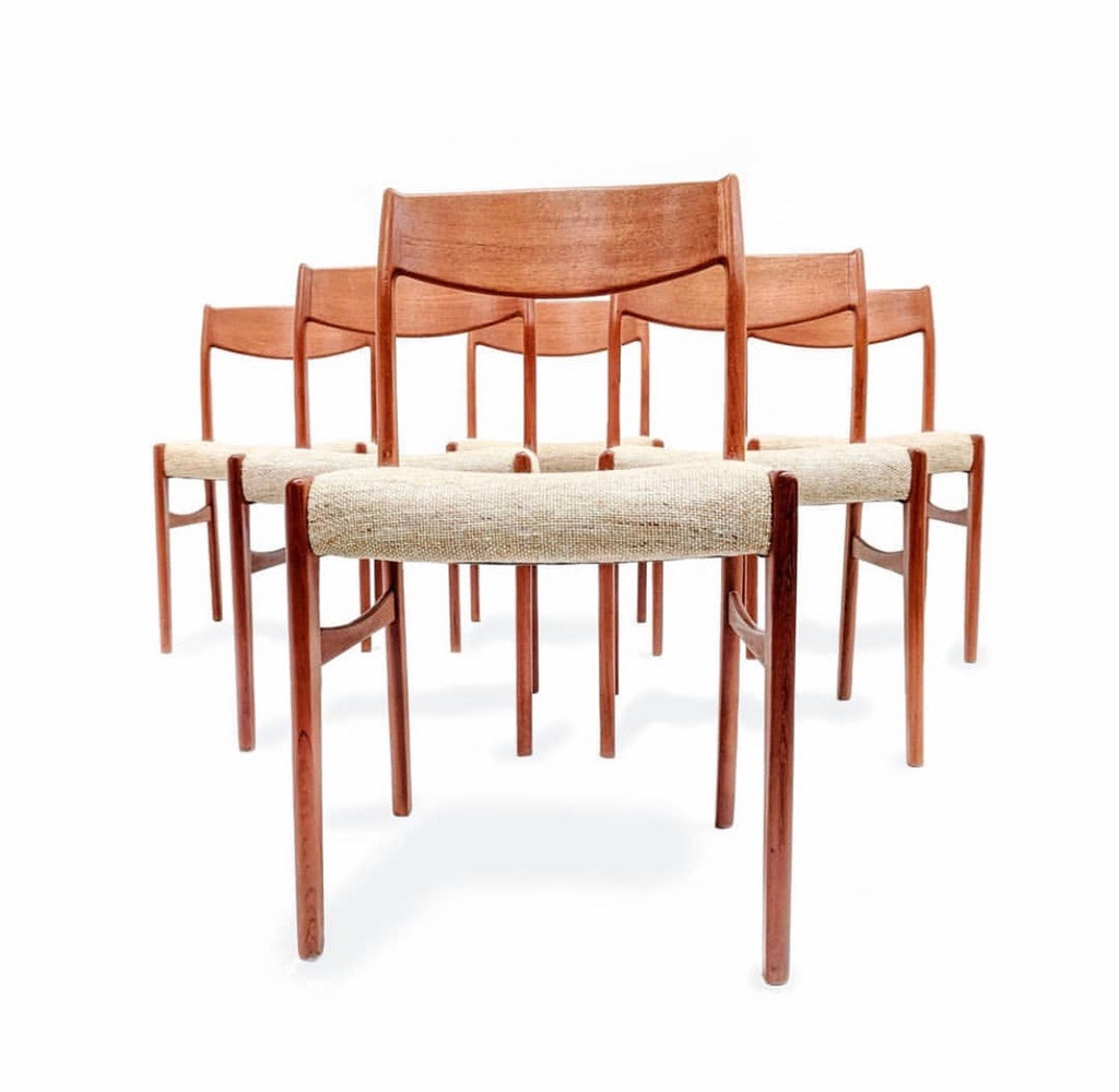 Six Møller Dining Chairs in Teak (1904FJ007)