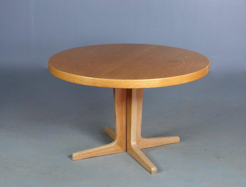 Round Skovby Dining Table (1904FJ046)