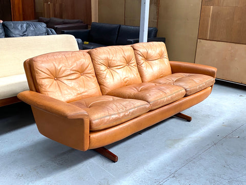 HW Klein Leather Sofa (2002014)
