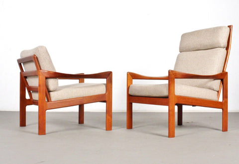 Pair of Illum Wikkelsø Model 20 Lounge Chairs in Teak (2002021.2)