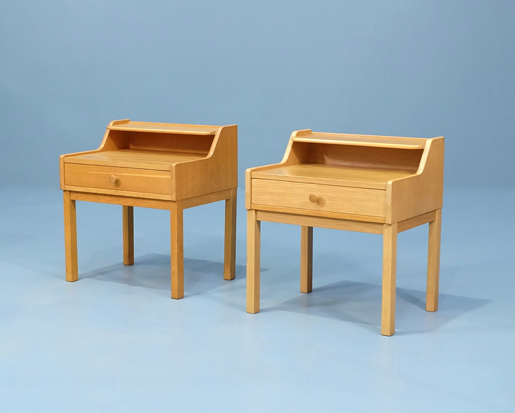 Pair of Danish Bedside Tables in Oak (2002083)