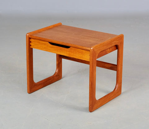 Danish Bedside Table / Side Table (2002090)
