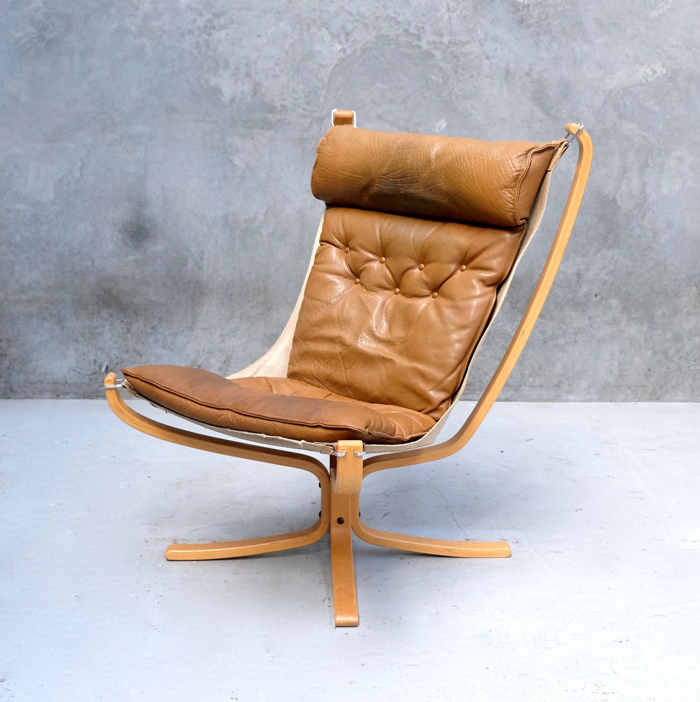 High-back Falcon Chair in Tan Leather (2002125)