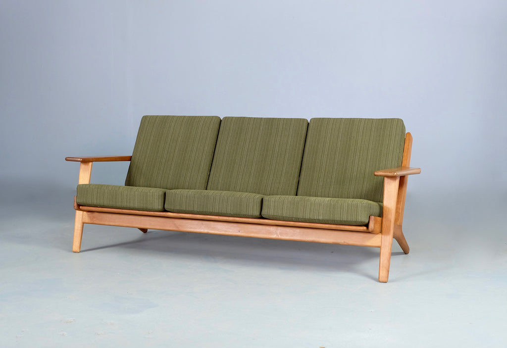 Hans Wegner GE290 Plank Sofa in Original Wool  (2002913)
