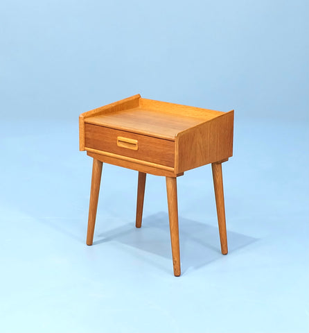 Danish Bedside Table in Oak (2003531)
