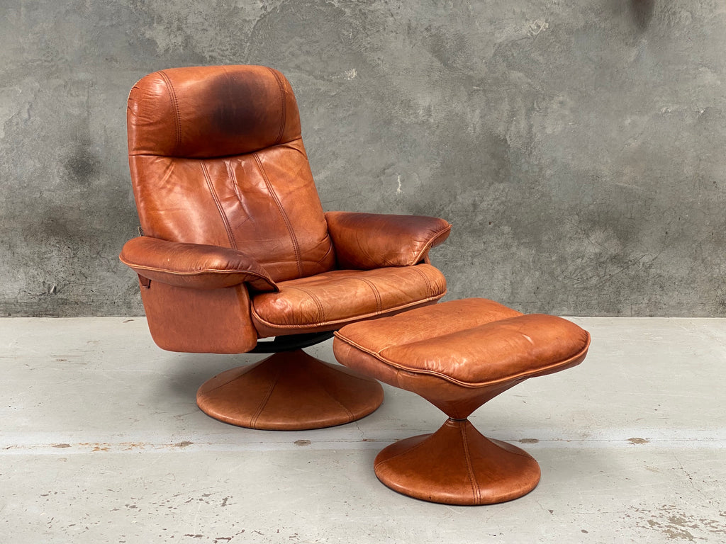 Thams Recliner & Footstool in Tan Leather (2003573)