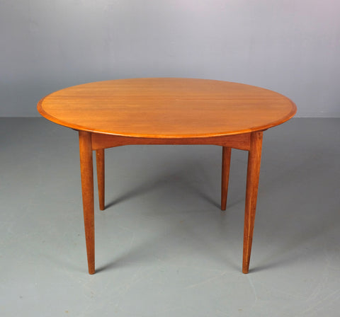 Round Extension Dining Table by Parker (2003954.2)