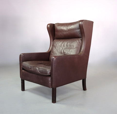 Stouby Wing-Back Lounge Chair (2004912)