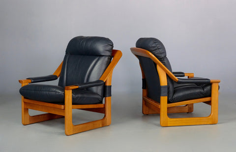 Pair of Tessa 'Sling' Lounge Chairs (2004918)
