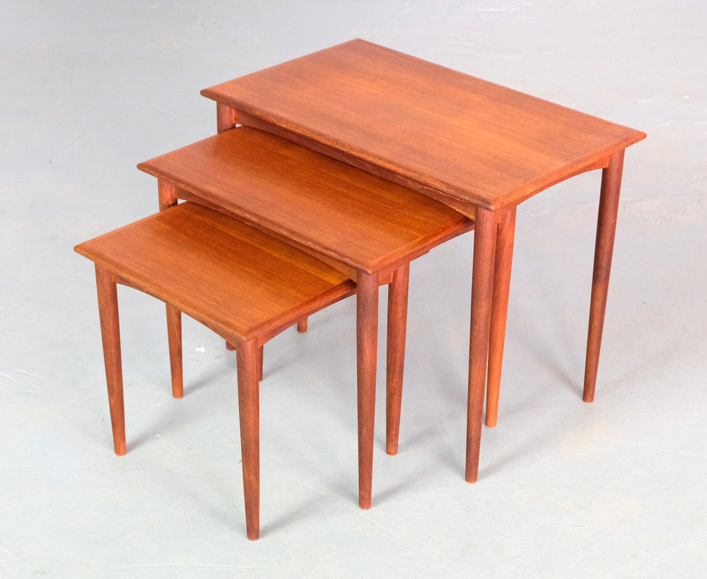 Parker Nest of Tables  (2004988)