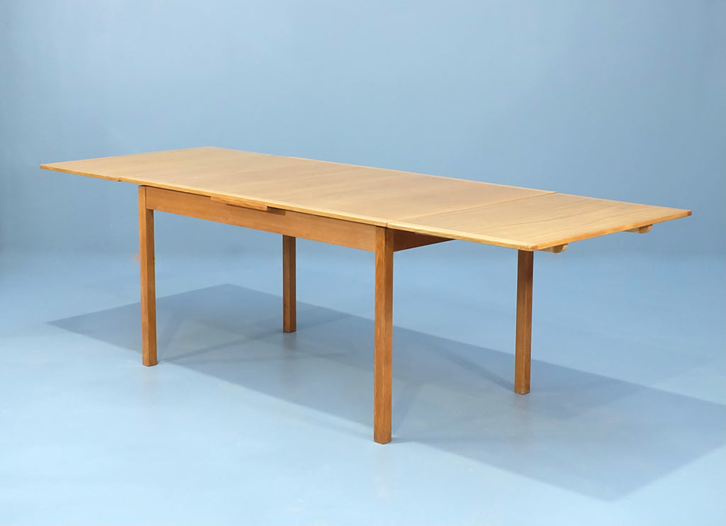 Nills Jonsson Extension Dining Table in Oak  (2101AK023)