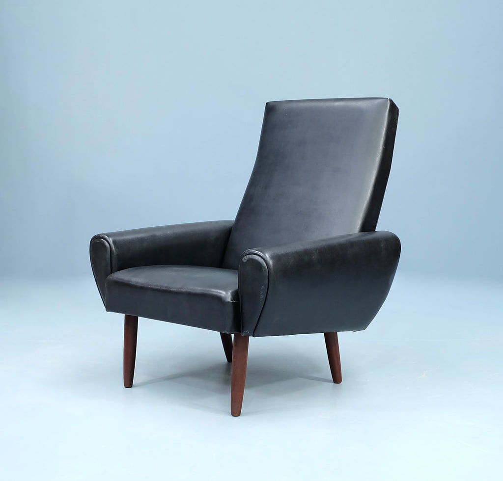 Danish Lounge Chair in Black Leather (2102936)