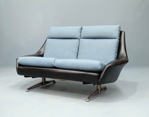 Danish Deluxe Two Seater Sofa (2102905)