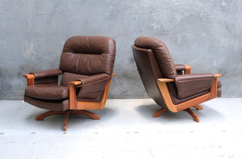 Pair of Swivel Chairs in Leather (2004955)