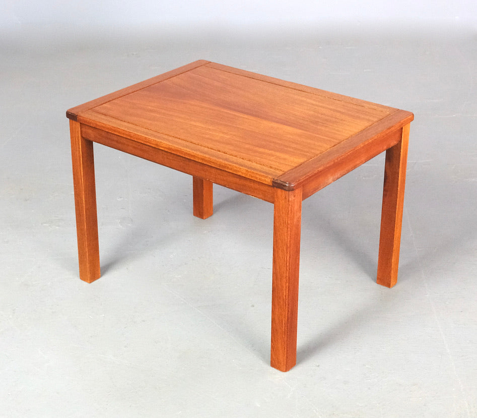 Side Table in Teak (2003596)