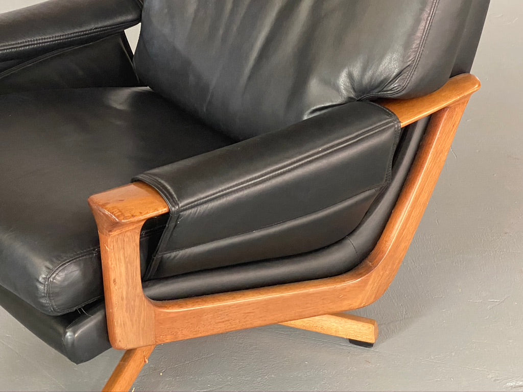 Tessa T21 Swivel Chair & Footstool (2001965)