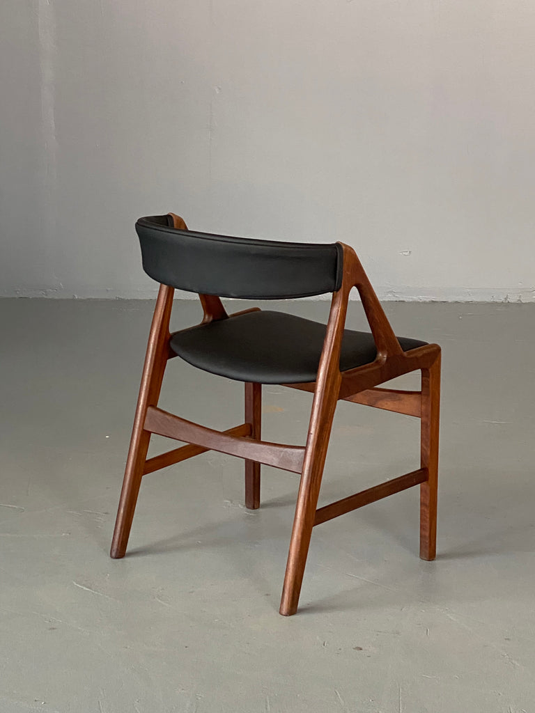 Henning Kjærnulf Desk Chair (1904008)