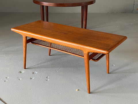 Johannes Andersen Coffee Table in Teak (2003943)