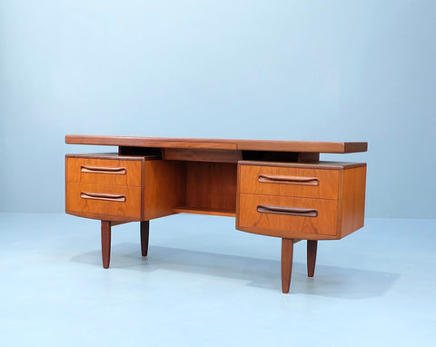 G-Plan Desk in Teak (2102930)