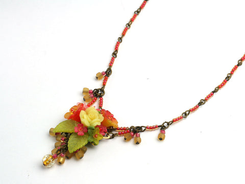 Fiesta Date: a small necklace by Colleen Toland