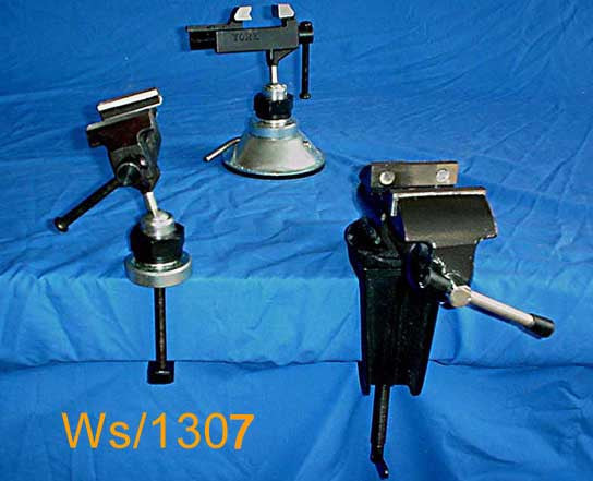 Lightweight Display Clamp. WS1307