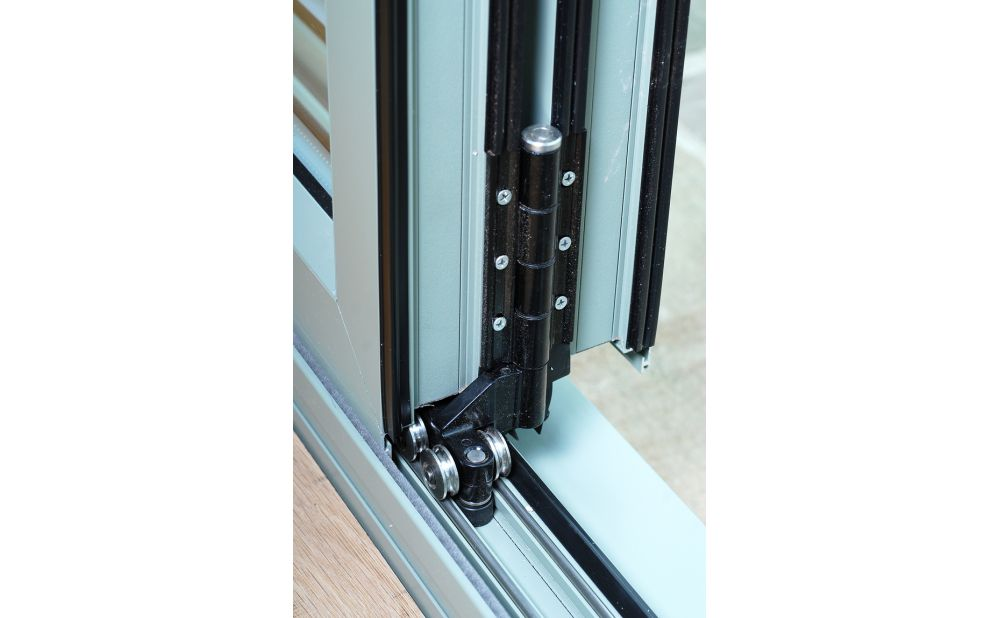 aluk aluminium bifolding door loughborough