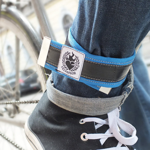 Upcycled trousers strap – navy blue by Felvarrom bicycle upcyclery - 1