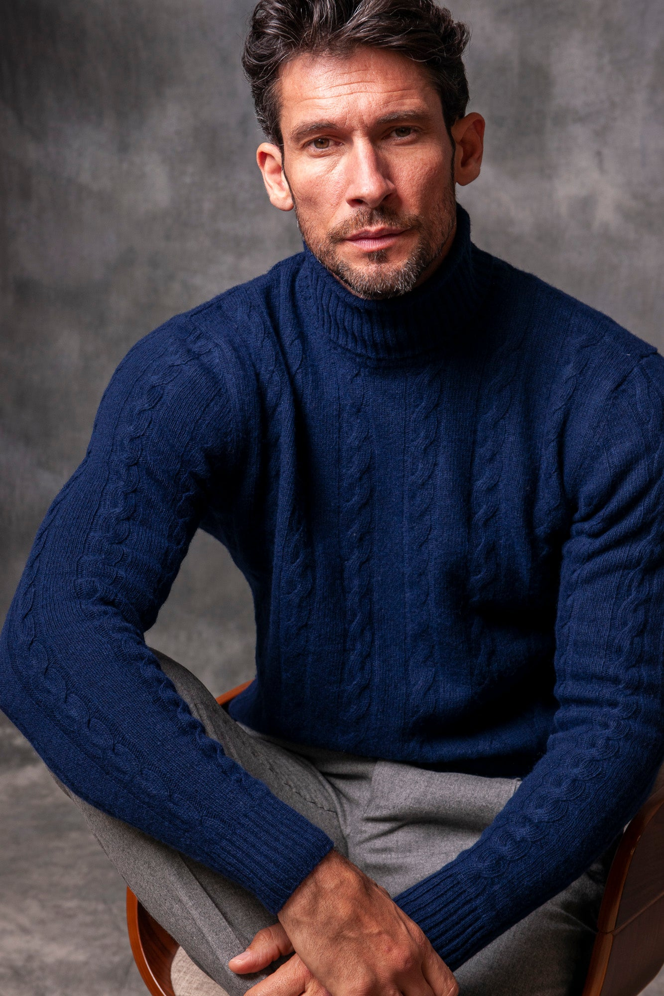 BLUE TURTLENECK WOOL AND CASHMERE