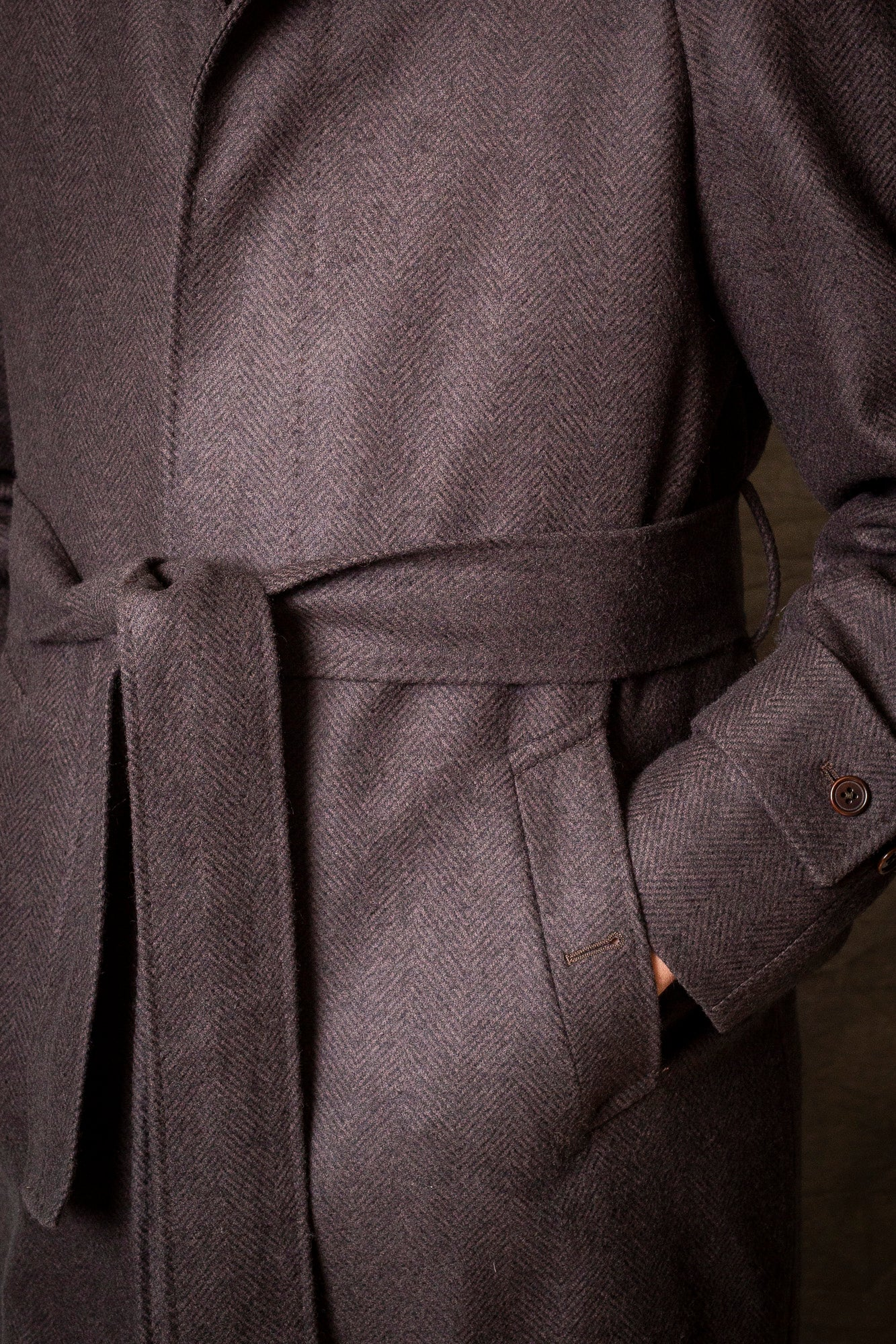 BROWN HERRINGBONE RAGLAN COAT – Made in Italy