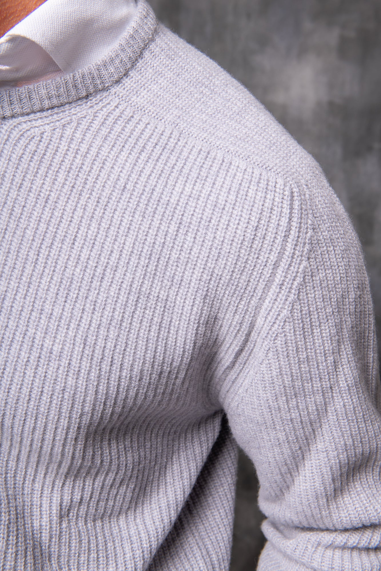 GREY RIBBED CREW NECK – Made in italy